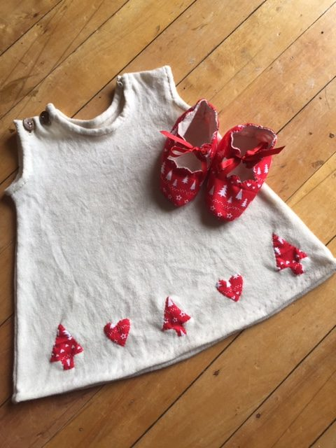 Christmas themed baby dress and shoes in merino silk and cotton via @chooicenz
