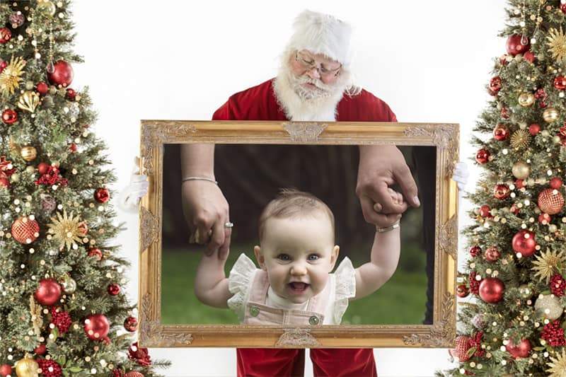 White Background Golden Frame with Santa looking down via @chooicenz