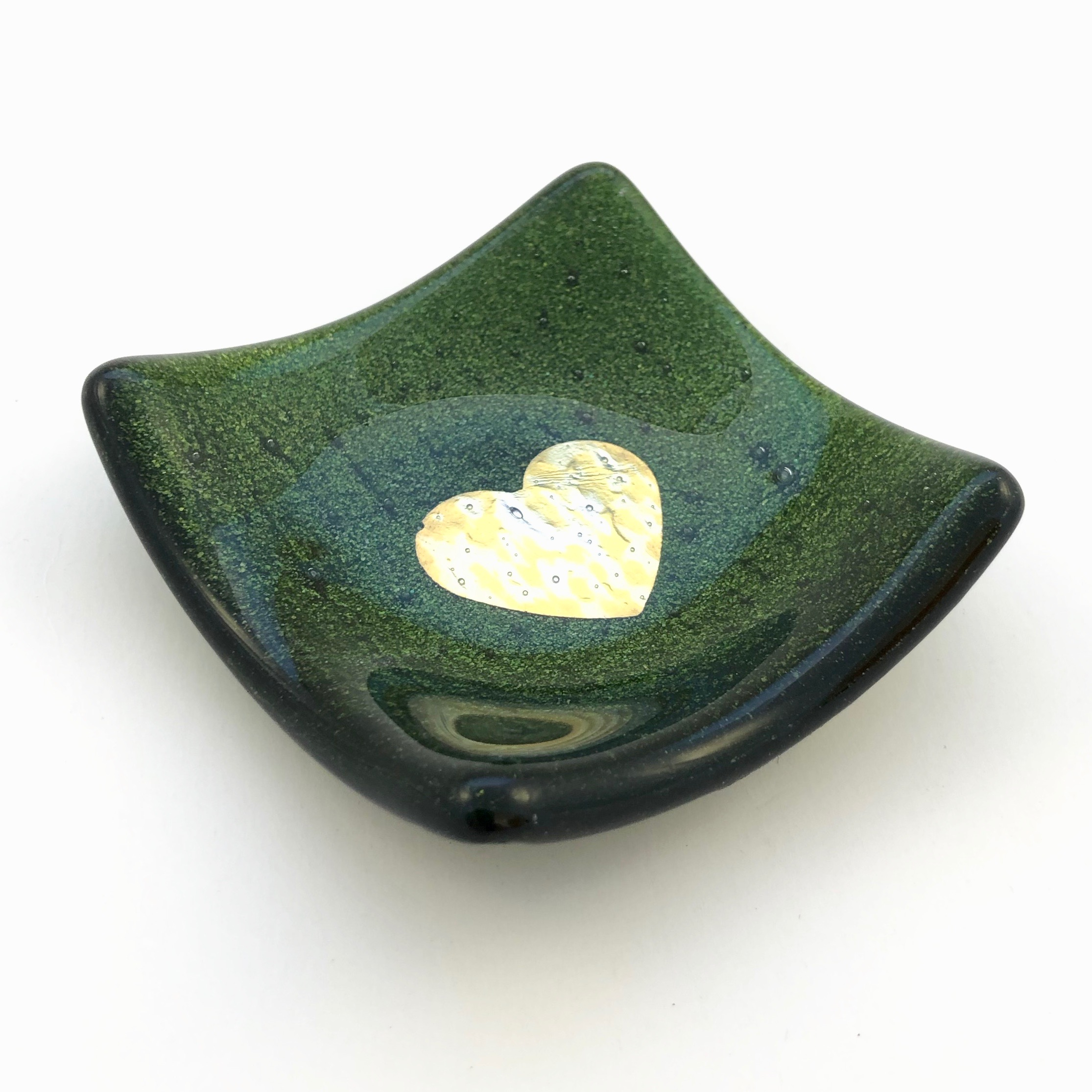 Dinky Dish with pure silver heart – Sparkly Green via @chooicenz