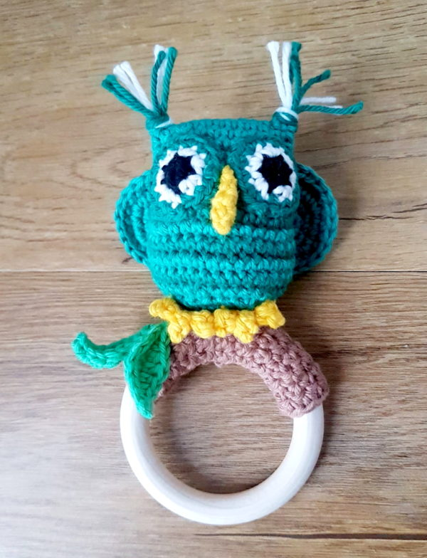 Owl Ring Rattle green
